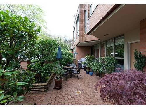 Photo 9: Photos: 5 2201 PINE Street in Vancouver West: Fairview VW Home for sale ()  : MLS®# V962874