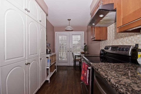 Photo 17: Photos: 11 1591 South Parade Court in Mississauga: East Credit Condo for sale : MLS®# W3071204