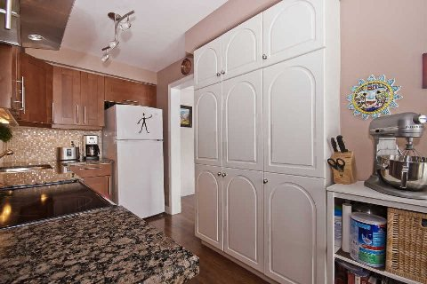 Photo 19: Photos: 11 1591 South Parade Court in Mississauga: East Credit Condo for sale : MLS®# W3071204