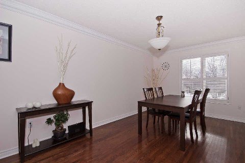 Photo 3: Photos: 11 1591 South Parade Court in Mississauga: East Credit Condo for sale : MLS®# W3071204