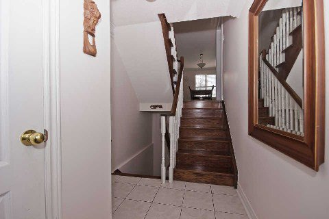 Photo 12: Photos: 11 1591 South Parade Court in Mississauga: East Credit Condo for sale : MLS®# W3071204
