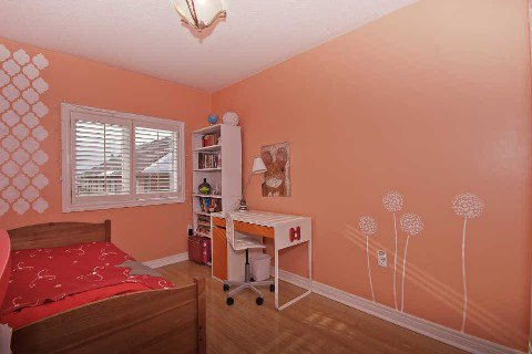Photo 7: Photos: 11 1591 South Parade Court in Mississauga: East Credit Condo for sale : MLS®# W3071204