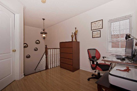 Photo 10: Photos: 11 1591 South Parade Court in Mississauga: East Credit Condo for sale : MLS®# W3071204