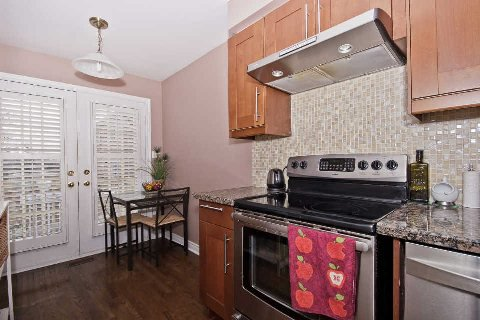 Photo 16: Photos: 11 1591 South Parade Court in Mississauga: East Credit Condo for sale : MLS®# W3071204
