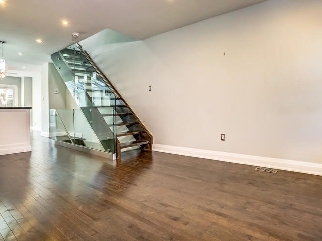 Photo 15: Photos: 2341 E Gerrard Street in Toronto: East End-Danforth House (2-Storey) for lease (Toronto E02)  : MLS®# E3446045