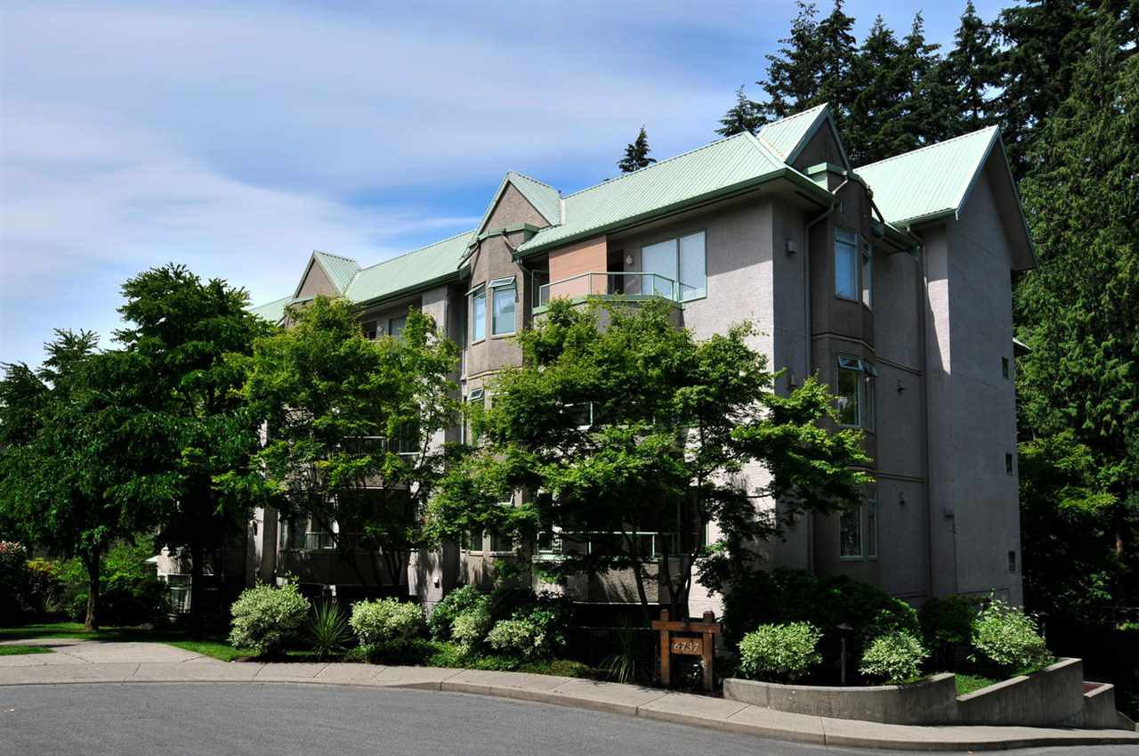 """Main Photo: 208 6737 STATION HILL Court in Burnaby: South Slope Condo for sale in """"THE COURTYARDS"""" (Burnaby South)  : MLS®# R2084077"""