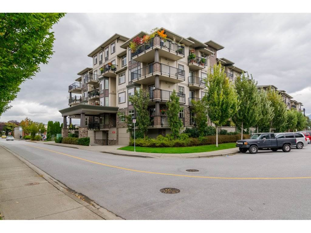 "Main Photo: 300 9060 BIRCH Street in Chilliwack: Chilliwack W Young-Well Condo for sale in ""The Aspen Grove"" : MLS®# R2115695"