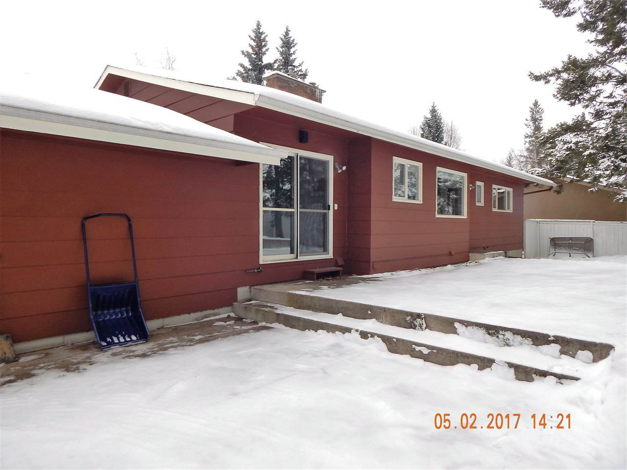 Photo 18: Photos: 5240 YORK Place in Prince George: Upper College House for sale (PG City South (Zone 74))  : MLS®# R2129510