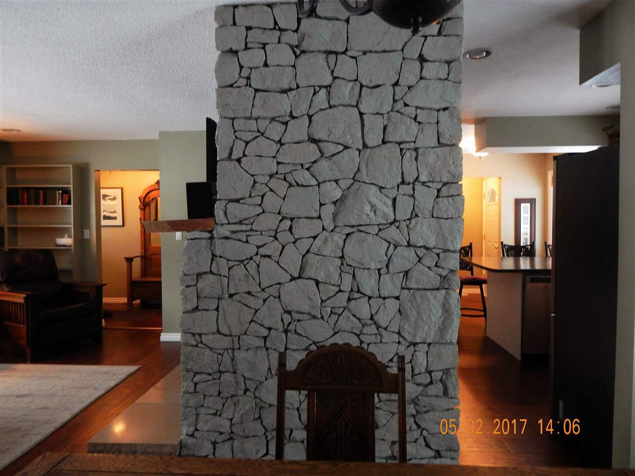 Photo 12: Photos: 5240 YORK Place in Prince George: Upper College House for sale (PG City South (Zone 74))  : MLS®# R2129510