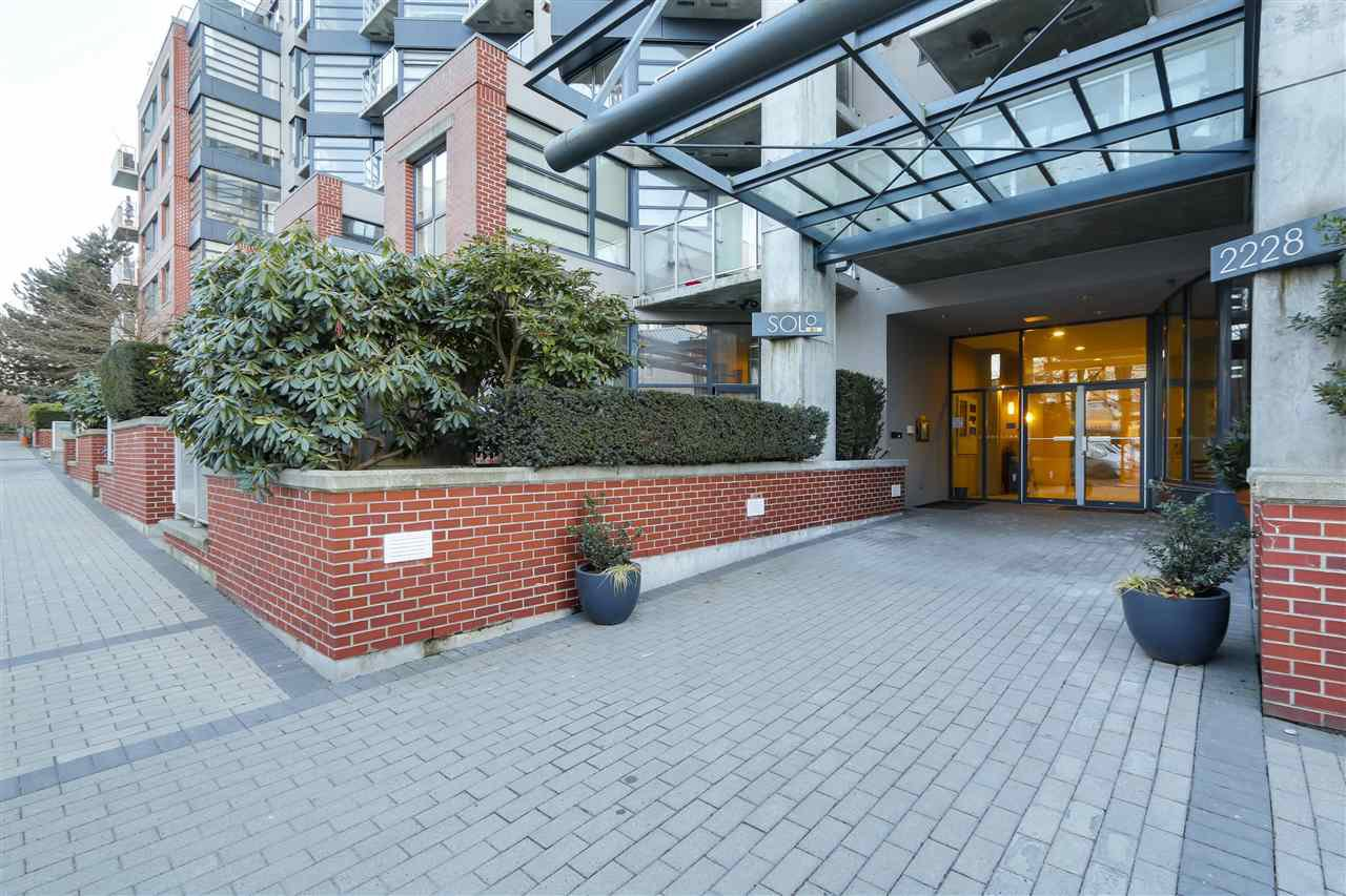 "Main Photo: 604 2228 MARSTRAND Avenue in Vancouver: Kitsilano Condo for sale in ""The Solo"" (Vancouver West)  : MLS®# R2135966"