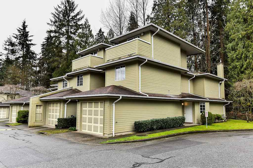 "Main Photo: 107 1386 LINCOLN Drive in Port Coquitlam: Oxford Heights Townhouse for sale in ""MOUNTAINS PARK VILLAGE"" : MLS®# R2147747"