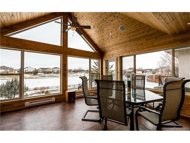 Photo 10: Photos: 35 Royal Park Crescent in Winnipeg: Southland Park Residential for sale (2K)  : MLS®# 1706238