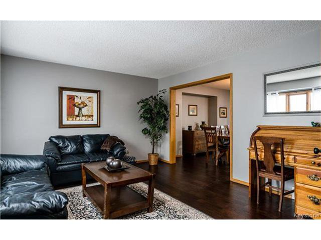 Photo 7: Photos: 35 Royal Park Crescent in Winnipeg: Southland Park Residential for sale (2K)  : MLS®# 1706238