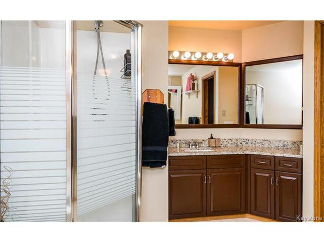 Photo 14: Photos: 35 Royal Park Crescent in Winnipeg: Southland Park Residential for sale (2K)  : MLS®# 1706238