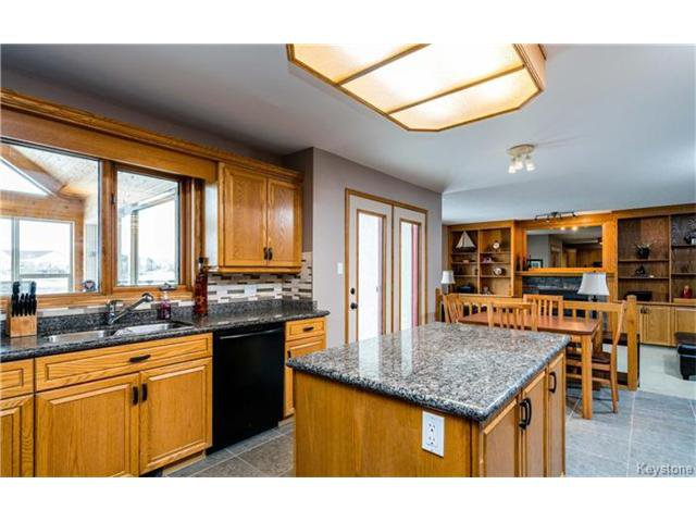 Photo 4: Photos: 35 Royal Park Crescent in Winnipeg: Southland Park Residential for sale (2K)  : MLS®# 1706238