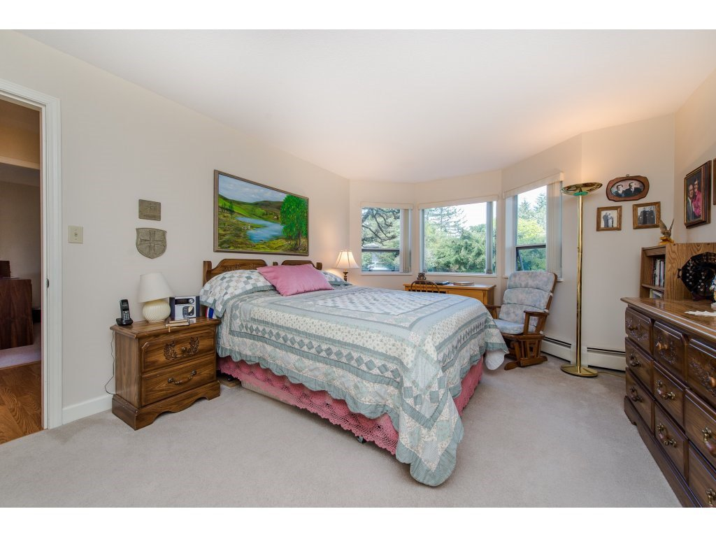 "Photo 13: Photos: 110 32145 OLD YALE Road in Abbotsford: Abbotsford West Condo for sale in ""CYPRESS PARK"" : MLS®# R2160674"