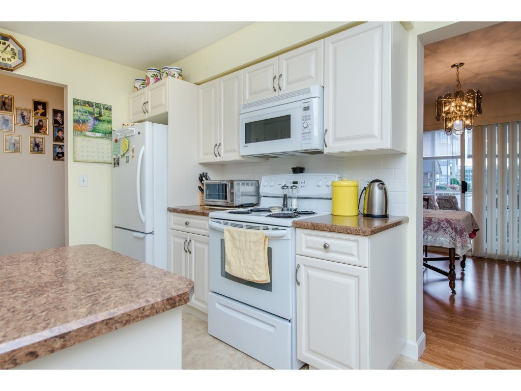 "Photo 10: Photos: 110 32145 OLD YALE Road in Abbotsford: Abbotsford West Condo for sale in ""CYPRESS PARK"" : MLS®# R2160674"