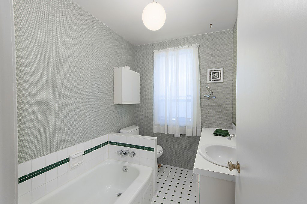 Photo 12: Photos: 4028 W 19TH Avenue in Vancouver: Dunbar House for sale (Vancouver West)  : MLS®# R2175110