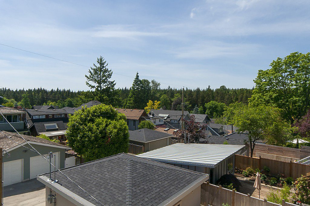 Photo 15: Photos: 4028 W 19TH Avenue in Vancouver: Dunbar House for sale (Vancouver West)  : MLS®# R2175110