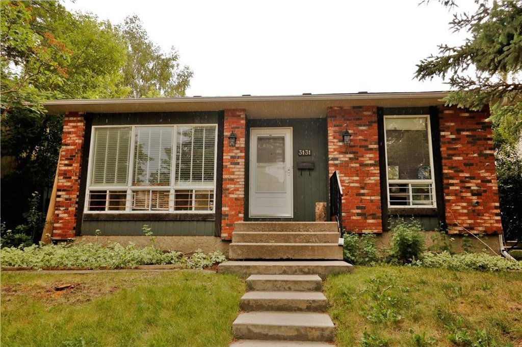 Photo 1: Photos: 3131 107 Avenue SW in Calgary: Cedarbrae House for sale : MLS®# C4124878