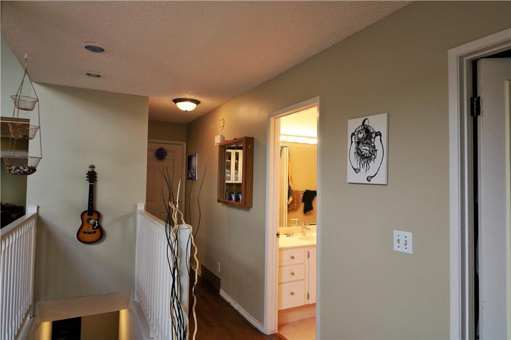 Photo 13: Photos: 3131 107 Avenue SW in Calgary: Cedarbrae House for sale : MLS®# C4124878