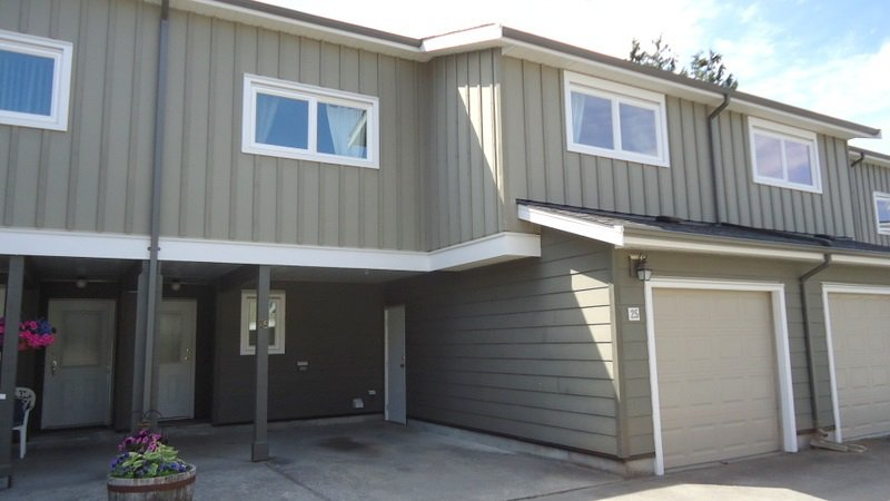 """Main Photo: 25 39752 GOVERNMENT Road in Squamish: Northyards Townhouse for sale in """"Mountainview Manor"""" : MLS®# R2190347"""