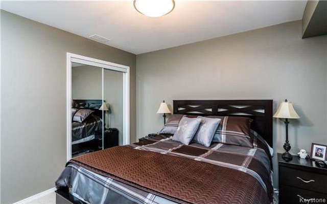 Photo 8: Photos: 701 St Anne's Road in Winnipeg: River Park South Condominium for sale (2F)  : MLS®# 1719557