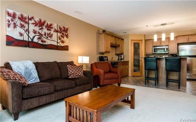 Photo 6: Photos: 701 St Anne's Road in Winnipeg: River Park South Condominium for sale (2F)  : MLS®# 1719557