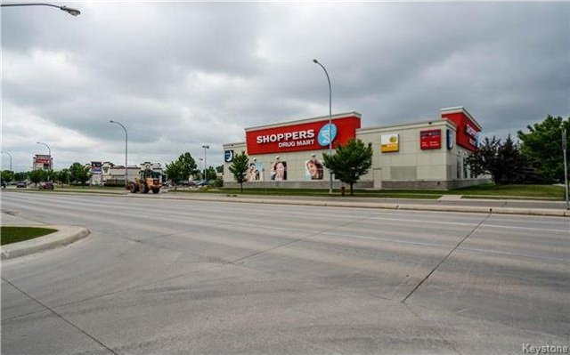 Photo 18: Photos: 701 St Anne's Road in Winnipeg: River Park South Condominium for sale (2F)  : MLS®# 1719557