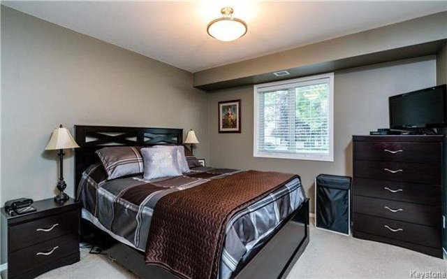 Photo 9: Photos: 701 St Anne's Road in Winnipeg: River Park South Condominium for sale (2F)  : MLS®# 1719557