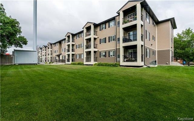 Photo 1: Photos: 701 St Anne's Road in Winnipeg: River Park South Condominium for sale (2F)  : MLS®# 1719557