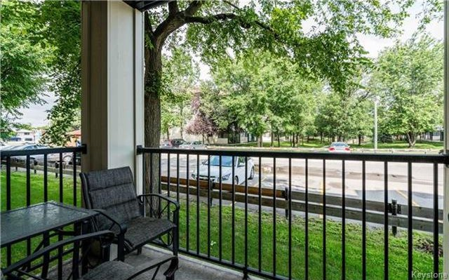 Photo 15: Photos: 701 St Anne's Road in Winnipeg: River Park South Condominium for sale (2F)  : MLS®# 1719557