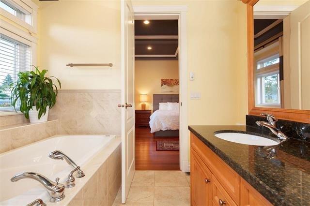 """Photo 12: Photos: 1136 SPRICE Avenue in Coquitlam: Central Coquitlam House for sale in """"COMO LAKE, CENTRAL COQUITLAM"""" : MLS®# R2201084"""