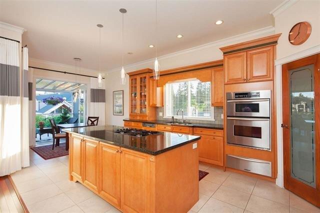 """Photo 8: Photos: 1136 SPRICE Avenue in Coquitlam: Central Coquitlam House for sale in """"COMO LAKE, CENTRAL COQUITLAM"""" : MLS®# R2201084"""