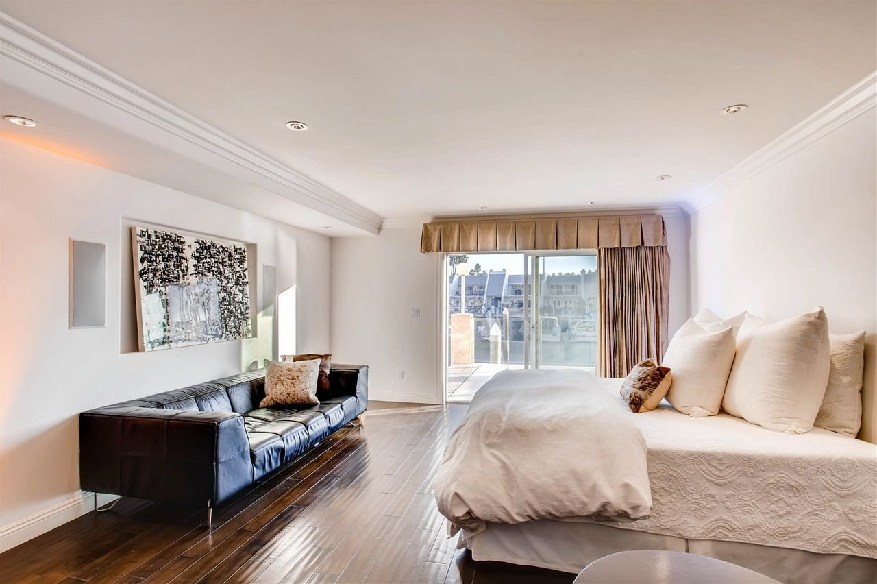 Photo 13: Photos: House for sale : 5 bedrooms : 8 GREEN TURTLE in CORONADO