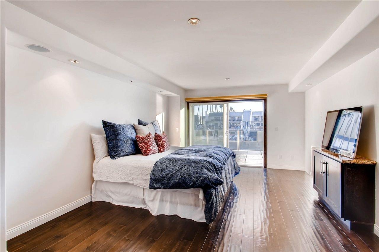 Photo 22: Photos: House for sale : 5 bedrooms : 8 GREEN TURTLE in CORONADO