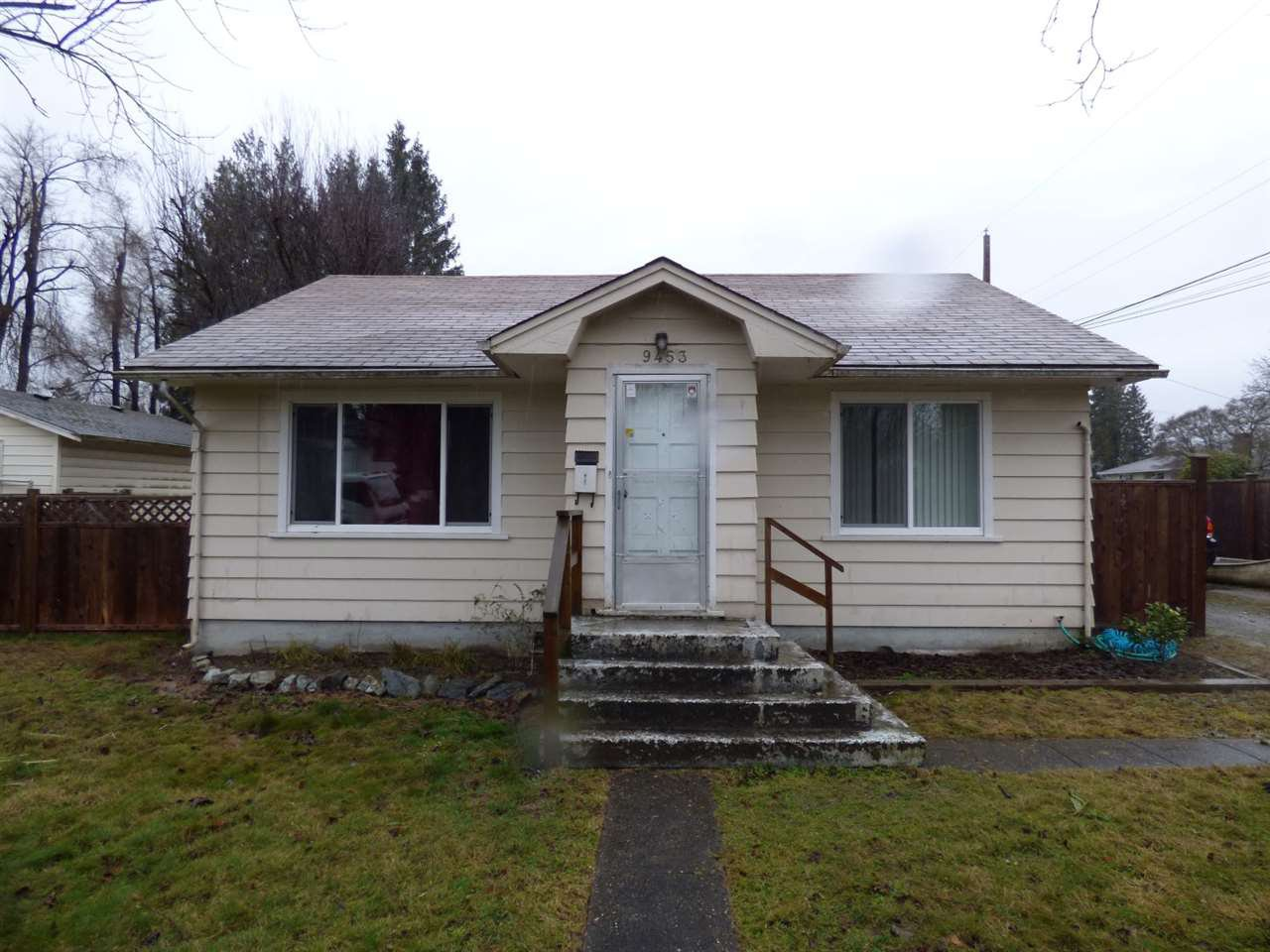 Main Photo: 9453 STANLEY Street in Chilliwack: Chilliwack N Yale-Well House for sale : MLS®# R2235820