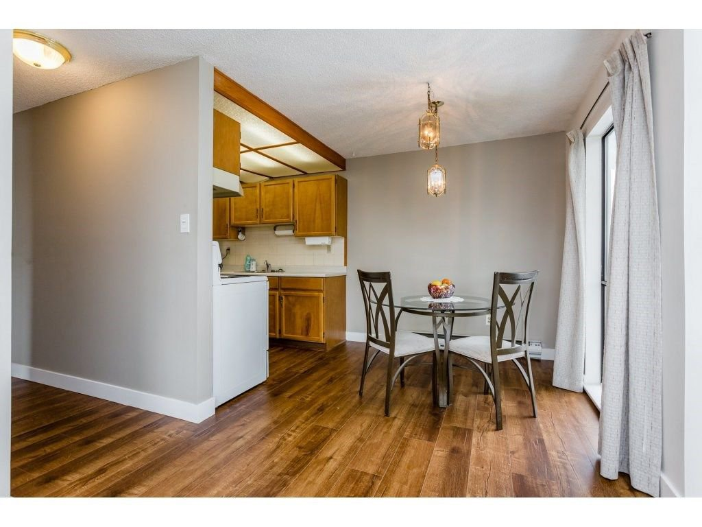 "Photo 10: Photos: 303 9952 149 Street in Surrey: Guildford Condo for sale in ""Tall Timbers"" (North Surrey)  : MLS®# R2241309"