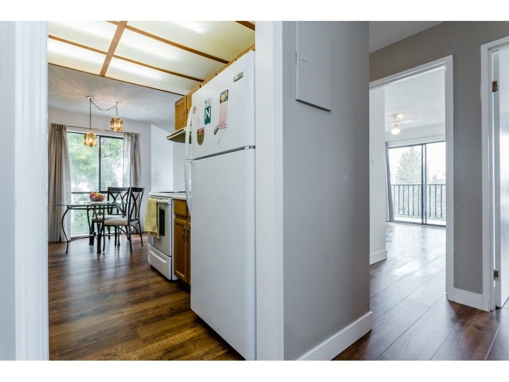 "Photo 14: Photos: 303 9952 149 Street in Surrey: Guildford Condo for sale in ""Tall Timbers"" (North Surrey)  : MLS®# R2241309"