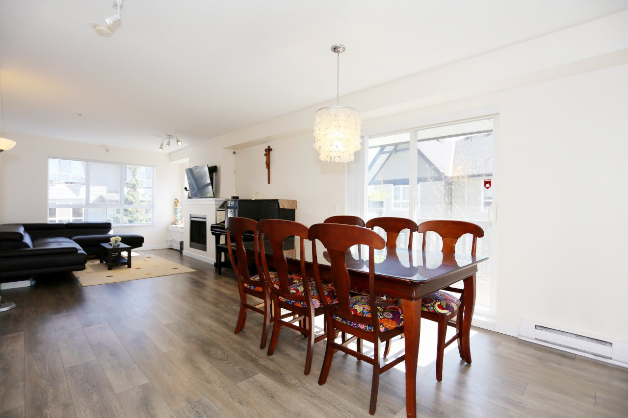 "Photo 4: Photos: 105 6747 203 Street in Langley: Willoughby Heights Townhouse for sale in ""Sagebrook"" : MLS®# R2248266"