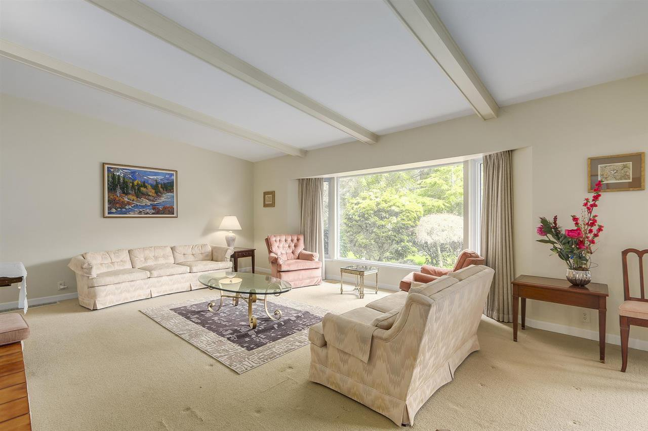 """Photo 10: Photos: 892 MARGAREE Place in West Vancouver: Cedardale House for sale in """"Cedardale"""" : MLS®# R2256348"""