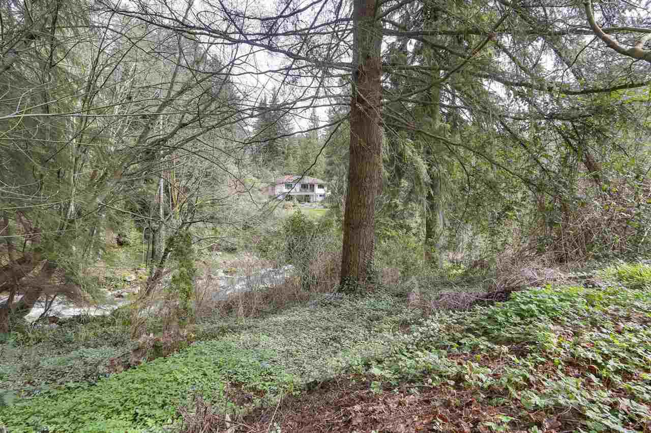 """Photo 20: Photos: 892 MARGAREE Place in West Vancouver: Cedardale House for sale in """"Cedardale"""" : MLS®# R2256348"""