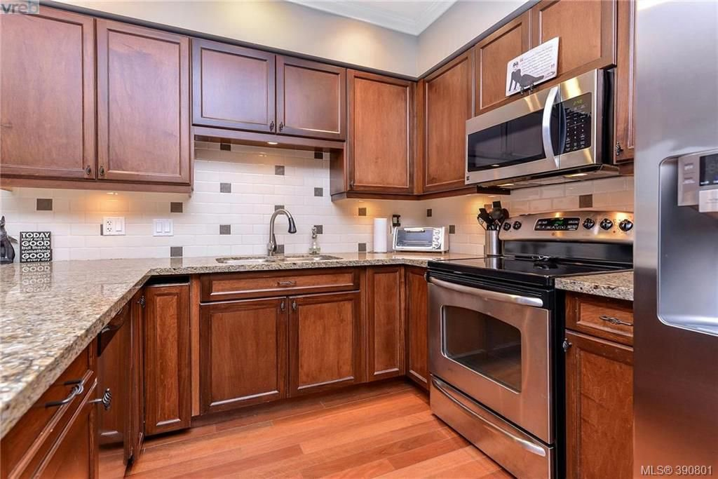 Main Photo: 307 755 Goldstream Ave in VICTORIA: La Langford Proper Condo Apartment for sale (Langford)  : MLS®# 785553
