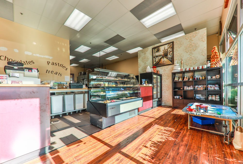 Main Photo: 103 17767 64 Avenue in Surrey: Cloverdale BC Business for sale (Cloverdale)  : MLS®# C8020920