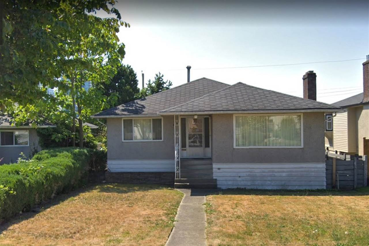Photo 1: Photos: 562 W 62ND Avenue in Vancouver: Marpole House for sale (Vancouver West)  : MLS®# R2335627