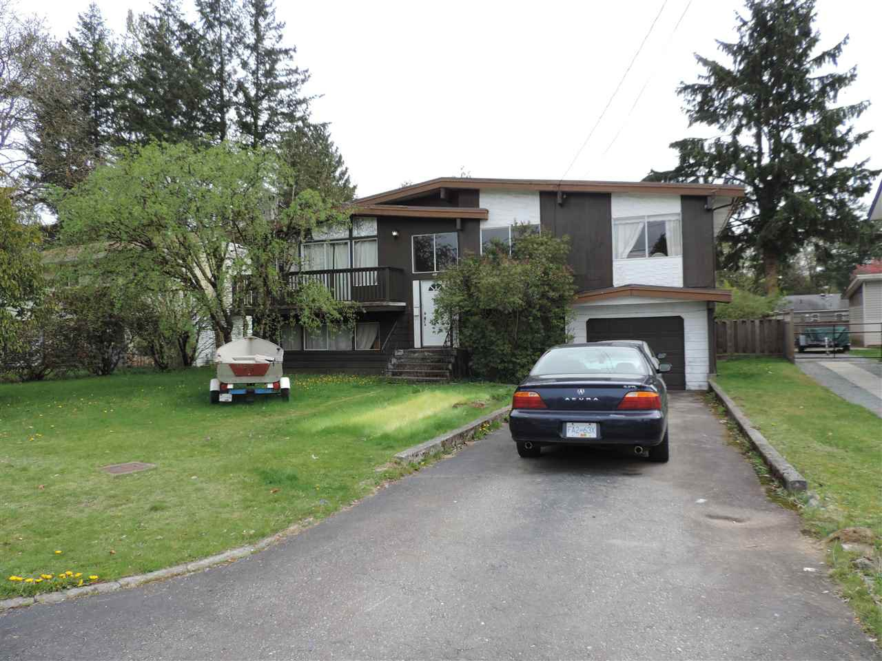 Photo 2: Photos: 7546 MARTIN Place in Mission: Mission BC House for sale : MLS®# R2360102