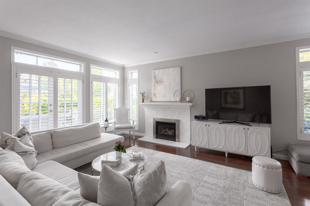 """Main Photo: 4290 HEATHER Street in Vancouver: Cambie Townhouse for sale in """"Grace Estate"""" (Vancouver West)  : MLS®# R2375168"""