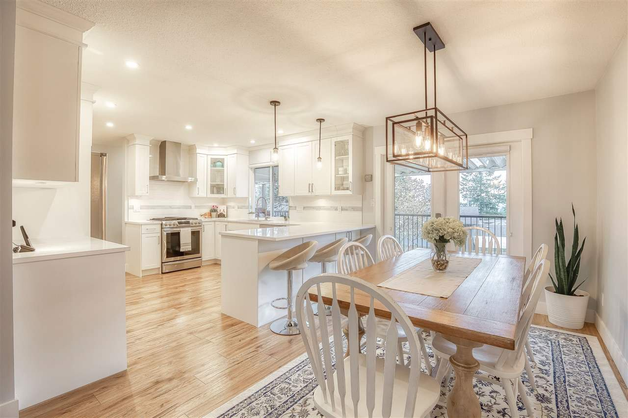 """Main Photo: 32172 BUFFALO Drive in Mission: Mission BC House for sale in """"WEST HEIGHTS"""" : MLS®# R2419225"""