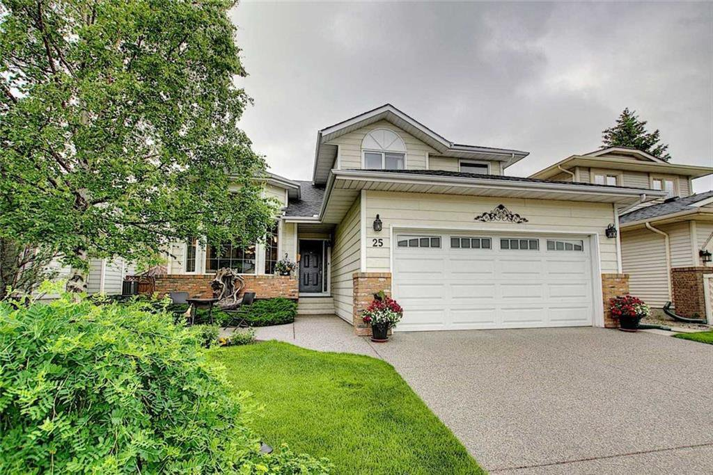 Main Photo: 25 SUNVISTA Close SE in Calgary: Sundance Detached for sale : MLS®# C4305431