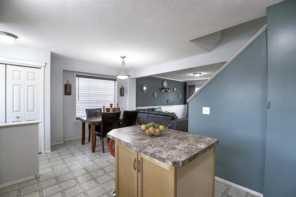 Photo 6: Photos: 646 EVERMEADOW Road SW in Calgary: Evergreen Detached for sale : MLS®# A1023171